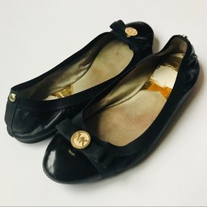 MICHAEL KORS Jet Set Leather Ballet Flats with Bow